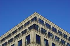Angolo di una costruzione moderna Fotografie Stock Libere da Diritti