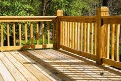 Angolo di una piattaforma di legno Immagine Stock Libera da Diritti