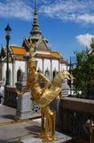Angolo dorato in grande palazzo Fotografia Stock Libera da Diritti