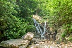 A angra da cabine cai em Grayson Highlands State Park fotografia de stock