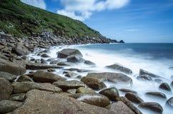Angra de Lamorna em Cornualha Reino Unido Inglaterra imagem de stock