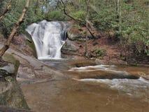 A angra do ` s da viúva cai no parque estadual de pedra da montanha imagens de stock