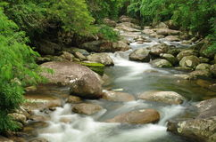 Angra idílico na ilha tropical Fotos de Stock Royalty Free