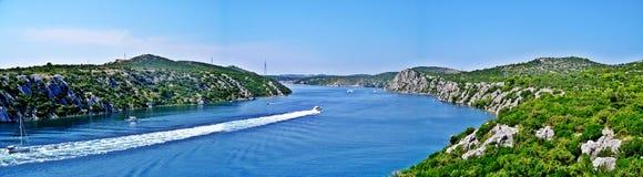 Angra no croatia no mar de adriático fotografia de stock