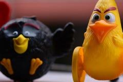 Angry Birds czerni i koloru żółtego collectible zabawka zdjęcia stock