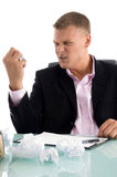 angry businessman crushing paper Στοκ εικόνα με δικαίωμα ελεύθερης χρήσης