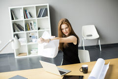 Angry businesswoman. In the office Royalty Free Stock Photos
