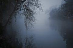 Angstaanjagende rivier Royalty-vrije Stock Fotografie