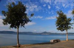 Anguillara на озере Bracciano, Италии Стоковые Изображения