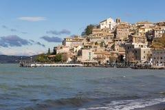 Anguillara Sabazia, Bracciano sjö, Italien Fotografering för Bildbyråer