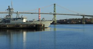 Angus MacDonald Bridge i Halifax, Nova Scotia 4K stock video