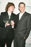 Angus T Jones, Jon Cryer royaltyfri foto
