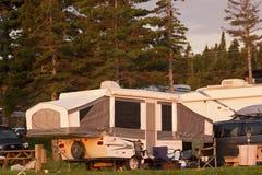 Anhänger auf Campingplatz in Perce in Quebec Stockfotos