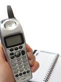 Anhalten des drahtlosen Telefons mit Adressbuch Lizenzfreie Stockbilder