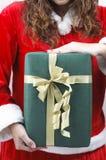 Anhalten des Geschenks lizenzfreie stockbilder