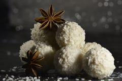Anijsplantster met witte chocolade Stock Foto