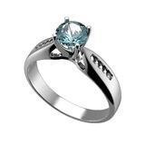 Anillo con el diamante aislado. Topaz azul suizo. aquamarine. Grandi Fotografía de archivo