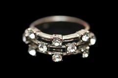 Anillo con los diamantes aislados Fotografía de archivo libre de regalías