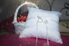 Anillo de bodas Imagen de archivo libre de regalías
