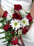 Anillo de bodas y ramo fotos de archivo libres de regalías