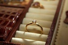 Anillo de diamante fotos de archivo