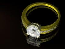 Anillo de diamante del oro Foto de archivo libre de regalías