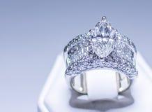 Anillo de diamante grande Fotos de archivo libres de regalías