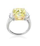 Anillo de diamante hermoso con amarillo amarillo o la piedra de centro del topacio Fotografía de archivo