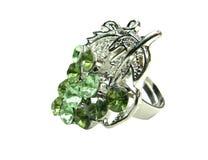 Anillo de la joyería con los cristales verdes claros Imagen de archivo