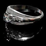 Anillo de plata del platino con joyería de la gema del diamante Fotos de archivo libres de regalías
