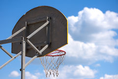 Anillo del baloncesto de la calle foto de archivo