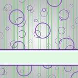 Anillo púrpura en el fondo gris Fotografía de archivo libre de regalías