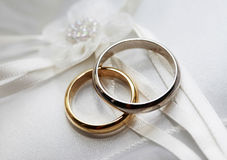 Anillos de bodas Fotografía de archivo