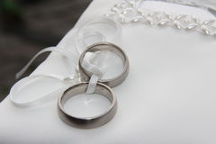 Anillos de bodas Foto de archivo libre de regalías