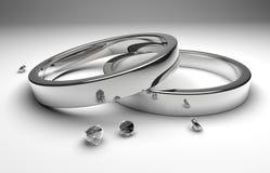 Anillos de bodas con el diamante Imágenes de archivo libres de regalías
