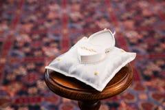 Anillos de bodas del oro Fotografía de archivo libre de regalías