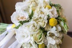 Anillos de bodas del oro luxary Fotografía de archivo libre de regalías