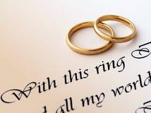 Anillos de bodas y voto Fotografía de archivo libre de regalías