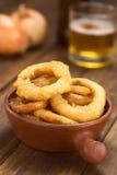 Anillos de cebolla Cerveza-estropeados Imagen de archivo libre de regalías