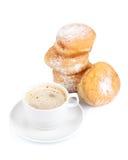 Anillos de espuma y taza dulces de café sólo fotos de archivo libres de regalías