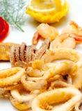 Anillos fritos italiano del calamari Imágenes de archivo libres de regalías