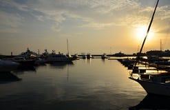 Anillos olímpicos de Rusia, Sochi en el embarcadero en la puesta del sol foto de archivo libre de regalías