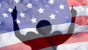 Animación de Digitaces del jugador victorioso del rugbi con las manos aumentadas contra la bandera americana almacen de video