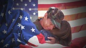 Animación digital conceptual que muestra a un niño que abraza al soldado americano en la vuelta del hogar almacen de metraje de vídeo
