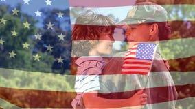 Animación digital conceptual que muestra a un soldado americano que abraza a su niño en la vuelta del hogar almacen de metraje de vídeo