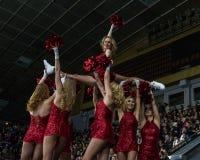 Animadoras de las muchachas de los zorros rojos del equipo para el partido Ucrania contra Rumania Imágenes de archivo libres de regalías