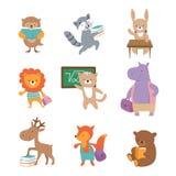 Animais bonitos da escola Raposa do hipopótamo da lebre do leão do guaxinim do urso, alunos com livros e trouxas De volta aos car ilustração royalty free