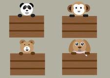 Animais da mistura que estão na caixa de madeira Imagem de Stock Royalty Free