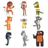 Animais selvagens usando dispositivos grupo, leão, macaco, crocodilo, raposa, coala, gato, baleia, lobo, urso que fala no vetor d ilustração royalty free