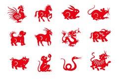 Animales chinos del zodiaco del papel hecho a mano rojo del corte Fotografía de archivo libre de regalías
